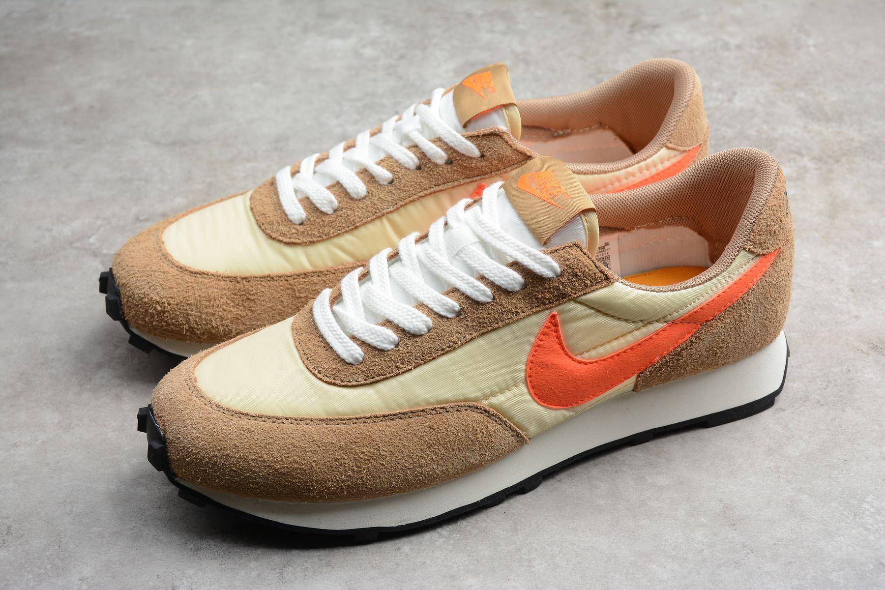 Nike Daybreak Orange