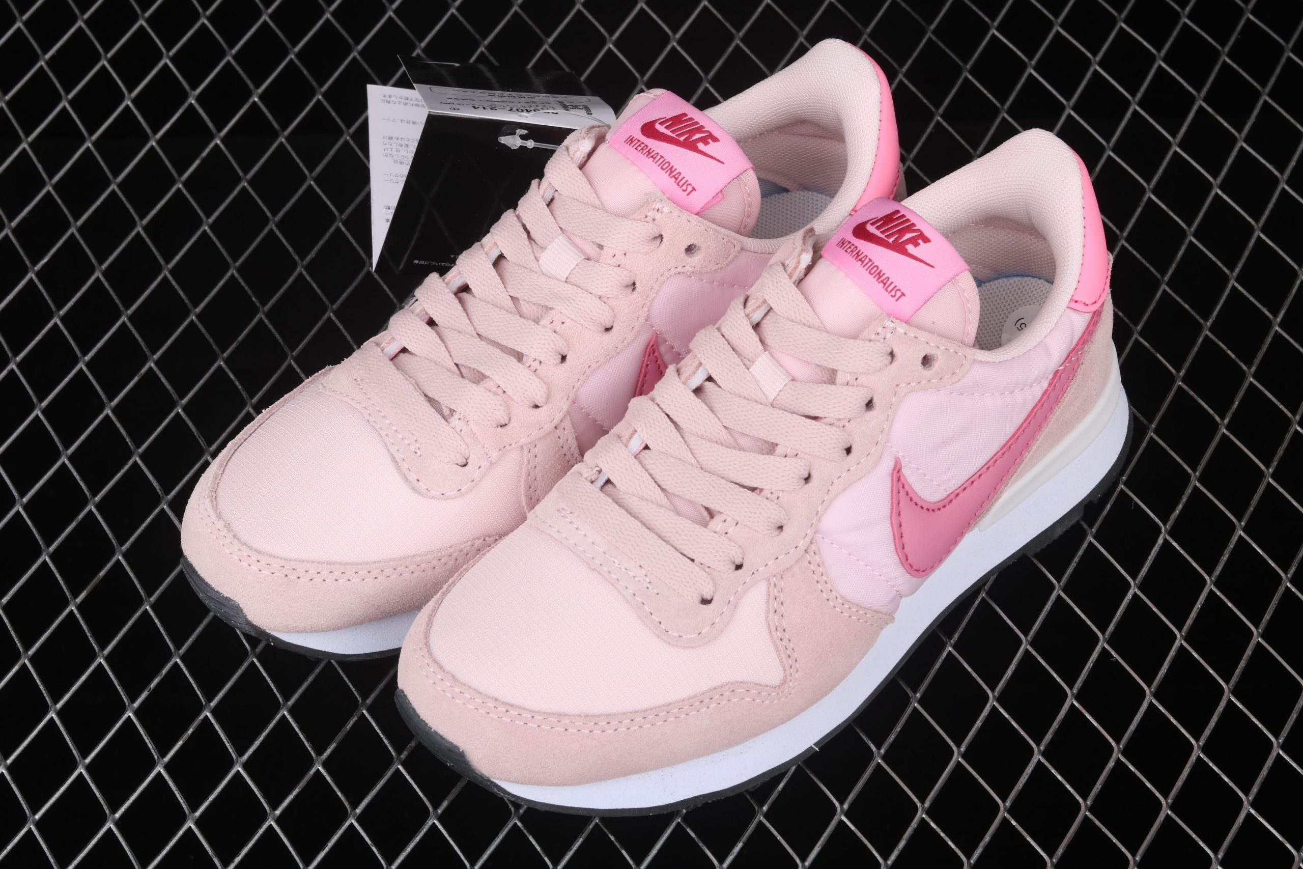 Nike Internationalist leather light pink-pink shoes