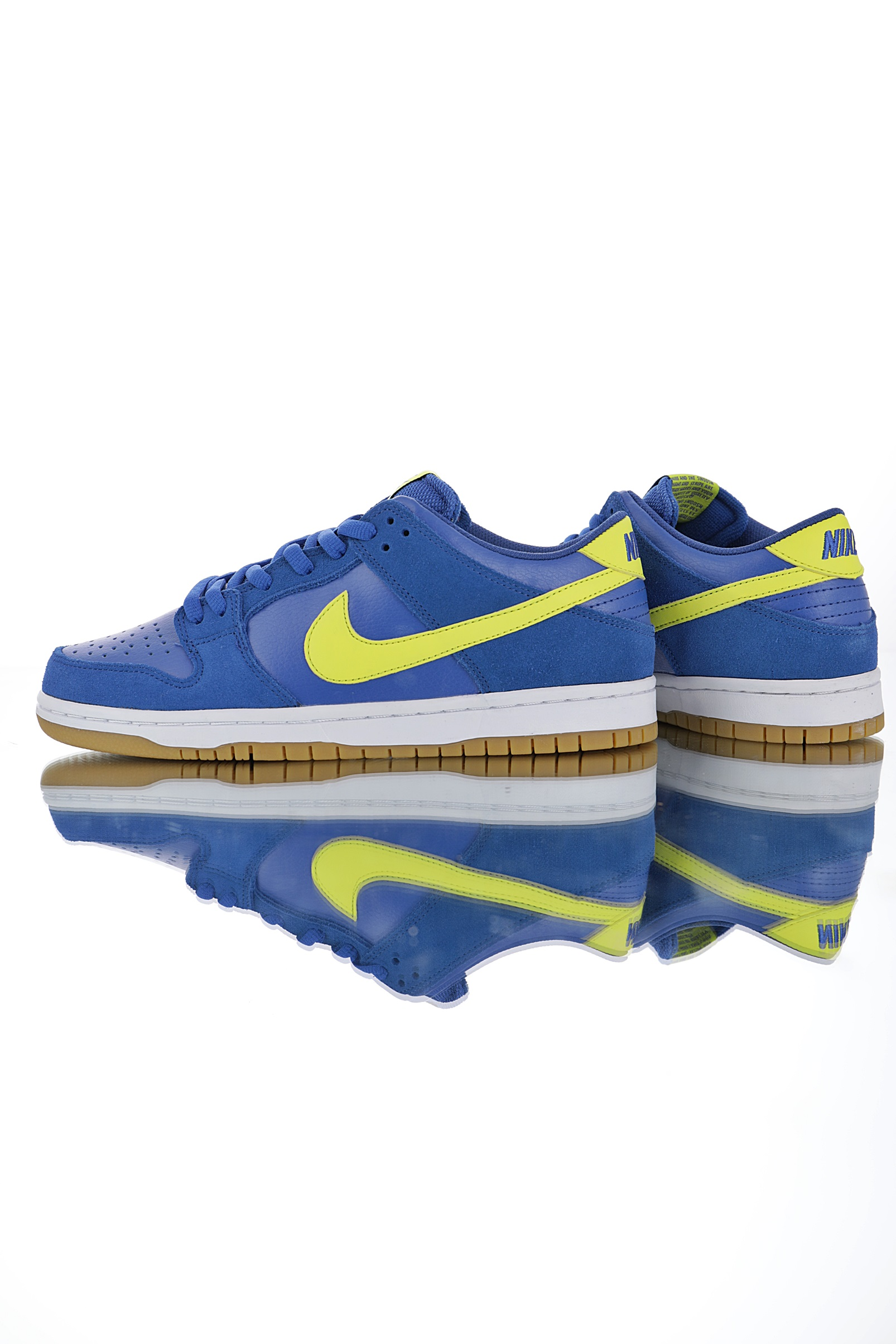 Nike SB Dunk Low Boca Juniors Blue Yellow side