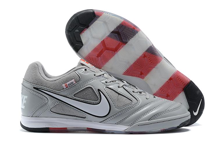 Supreme x Nike SB Gato Supreme light gray side