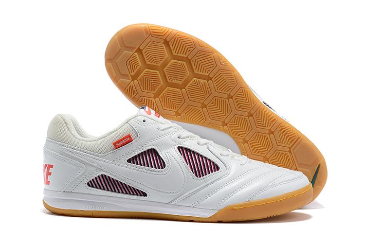 Supreme x Nike SB Gato limited edition flat shoes side