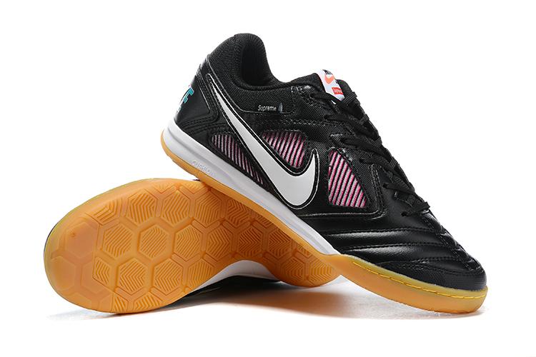 Supreme x Nike SB Gato limited edition flat shoes black Right