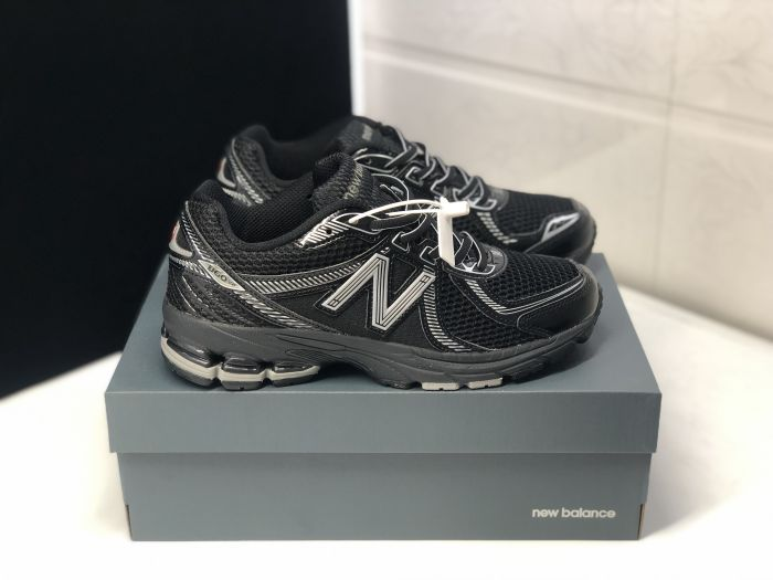 New Balance ML860XC black white