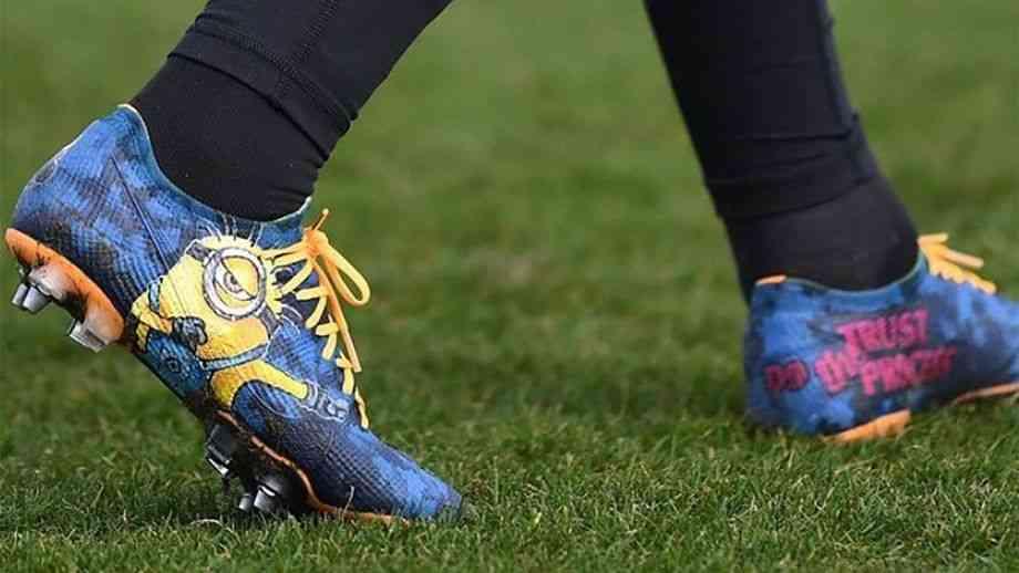 Nike Merc Vapor XIIIs football shoes