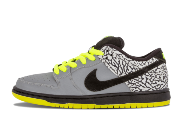 nike-sb-dunk-low-premium-112-metallic-silver-black-volt-504750-017
