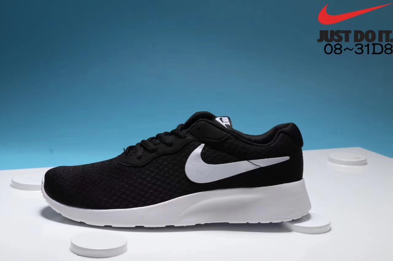 Nike London third generation black and white running shoes for men and women Left
