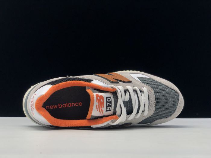 2021 New Balance ML570YZ casual sports running shoes inside of