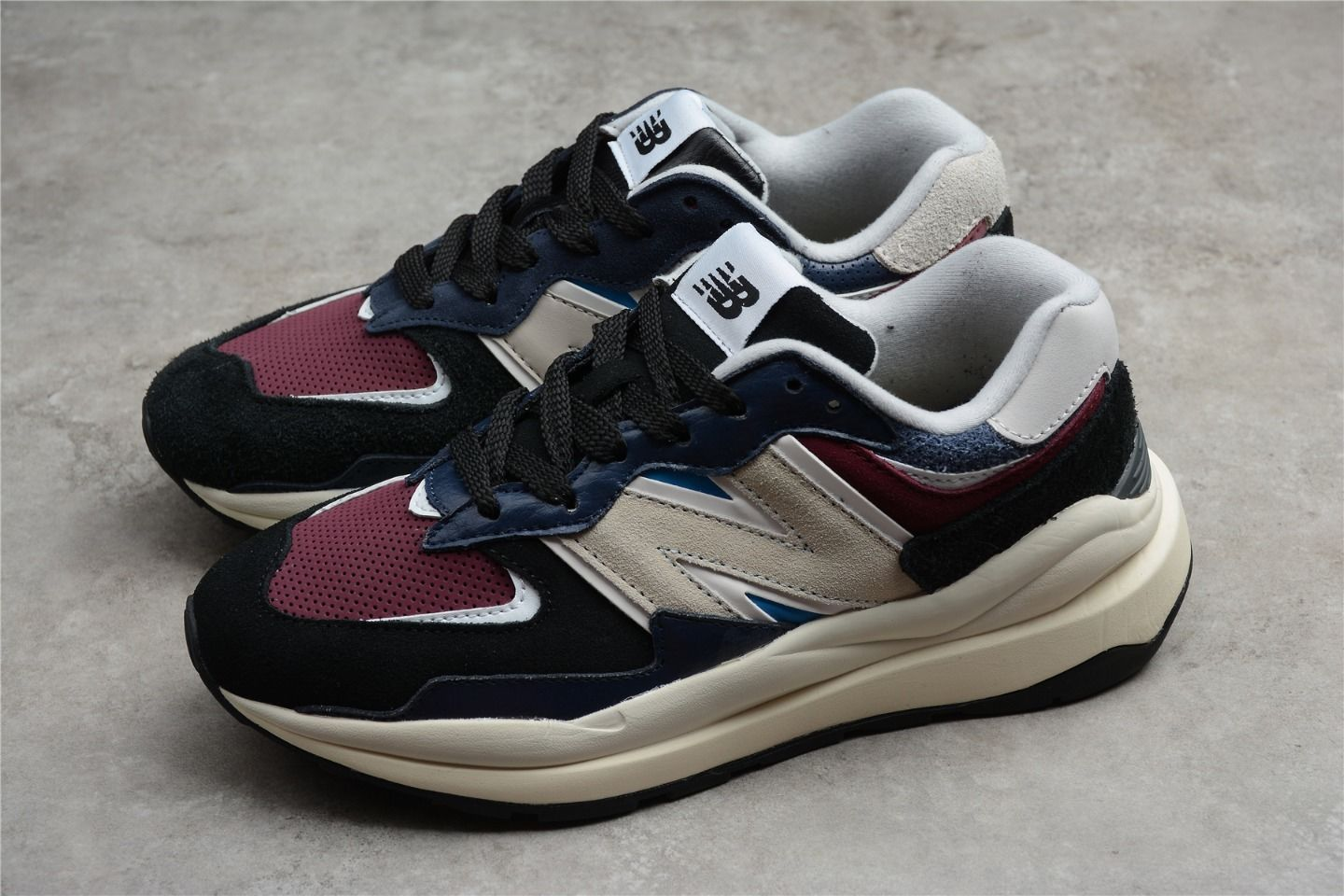 New Balance M5740TB jogging shoes overall