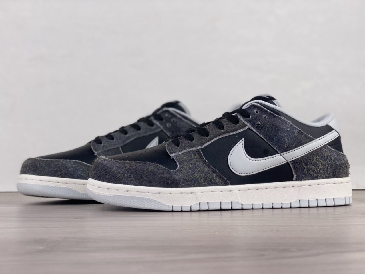 2021 New Nike Dunk Low Retro Animal Pack Zebra DH7913-001 side