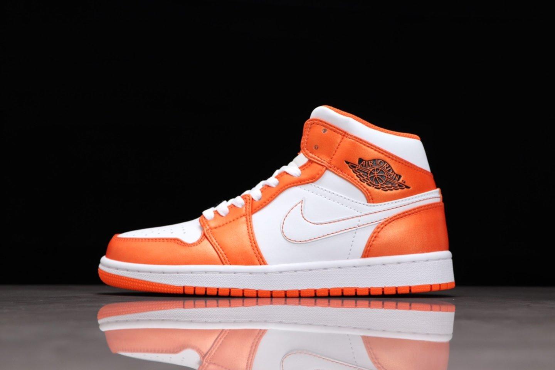 Best-selling Air Jordan 1 Mid Electro Orange Basketball Shoes DM3531-800